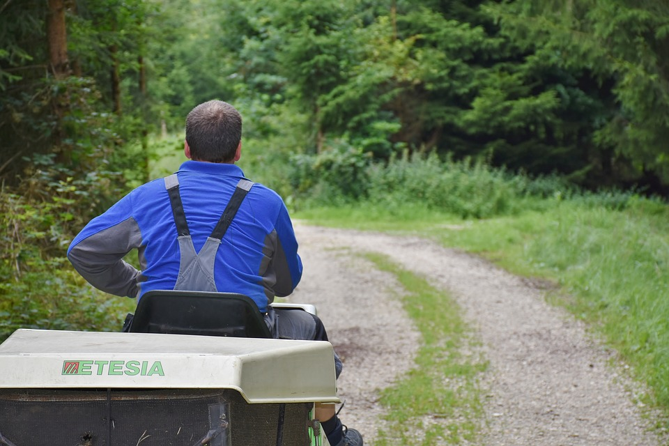 New report cleans up the zero-turn mowers market